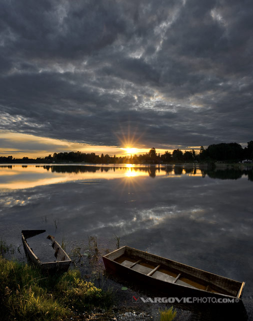 Date-After-Eight_Soderica_Lake_Podravina_Croatia_Fishing-Boat_Dusk_Calmness_By-Vargovic-Photo