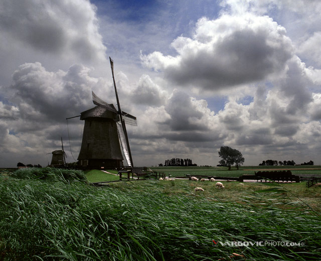 Sing-Me-A-Windy-Song_Dutch-Afternoon_Holland-North_The-Netherlands_Windmil-On-The-Sunset_By-Vargovic-Photo